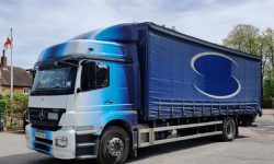 2011 MERCEDES AXOR 1824 CURTAINSIDER WITH UNDERSLUNG TAILLIFT